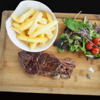 L'entrecôte (350 grs) à votre cuisson, frites et salade